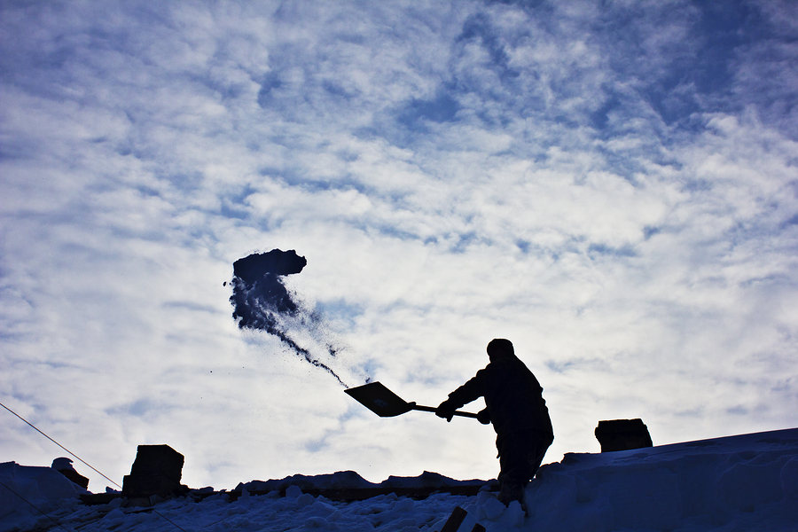 Should You Shovel Your Roof Yourself This Winter?