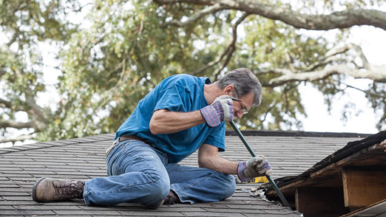 Determine If You Need to Replace shingles in Grosse Ile Michigan