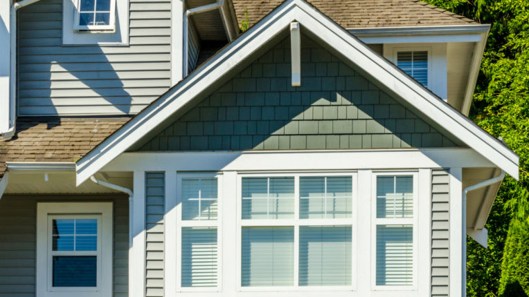 Key Reasons Installing Vinyl Siding in Dearborn Michigan is a Great Idea