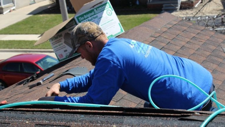 Key Factors That Affect the Costs of Roof Repair in Downriver Michigan