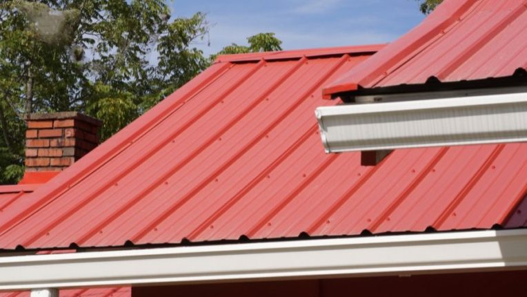 Crucial Things Every Roofing Contract in Ann Arbor Michigan Should Include