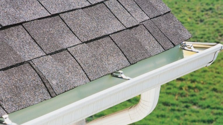 Important Winter Gutter Maintenance for Home Owners in Canton Michigan
