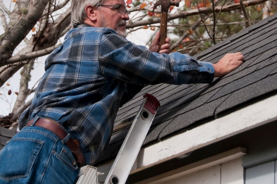 Why You Should Not Attempt any Type of Do It Yourself Roof Repairs in Ypsilanti Michigan