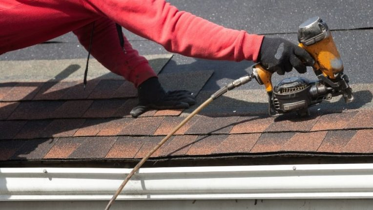 Roof Replacement in Novi Michigan: Who to Call if You Need a New Roof